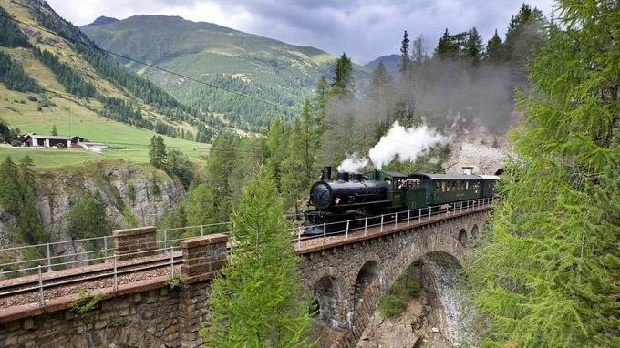 © Rhätische Bahn / Christof Sonderegger / Rhätische Bahn, Schweiz - Dampffahrt / Zum Vergrößern auf das Bild klicken