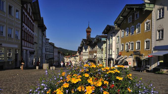 © Tourist Information Bad Tölz / Bad Tölz, Bayern - Marktstraße / Zum Vergrößern auf das Bild klicken
