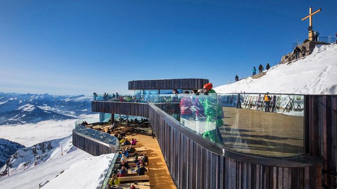 © Reinhard SchmidHUBER IMAGES / Bayern - Gipfelstation am Nebelhorn / Zum Vergrößern auf das Bild klicken