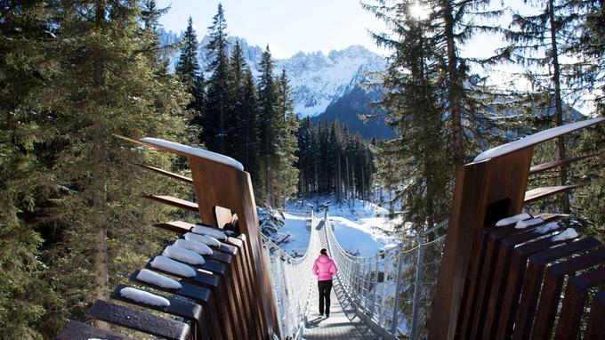 © Eggental Tourismus / Eggental, Südtirol - Hängebrücke Karer See / Zum Vergrößern auf das Bild klicken
