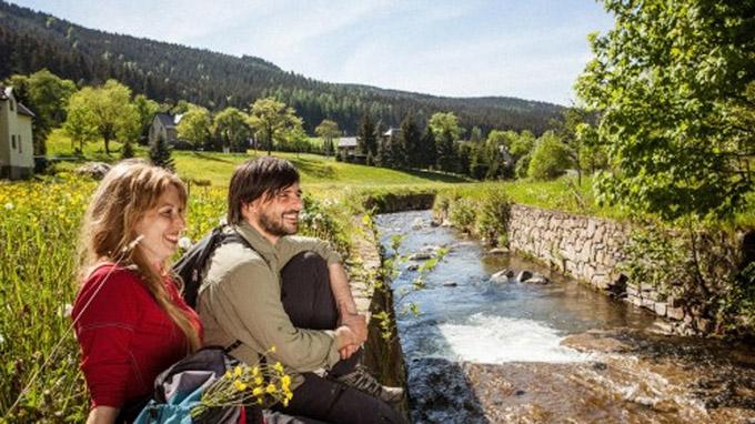 © Tourismusverband Erzgebirge e.V. / René Gaens / Erzgebirge, DE - Kammweg_Rast / Zum Vergrößern auf das Bild klicken