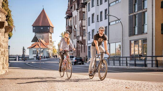 Konstanz, DE - Rheintorturm mit Rad