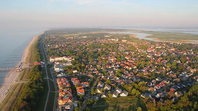 © Frank Bohling / Zingst, DE - Seebrücke / Zum Vergrößern auf das Bild klicken