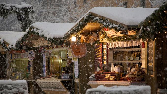 © Marco Simonini / Trento, Italien - Weihnachtsmarkt / Zum Vergrößern auf das Bild klicken