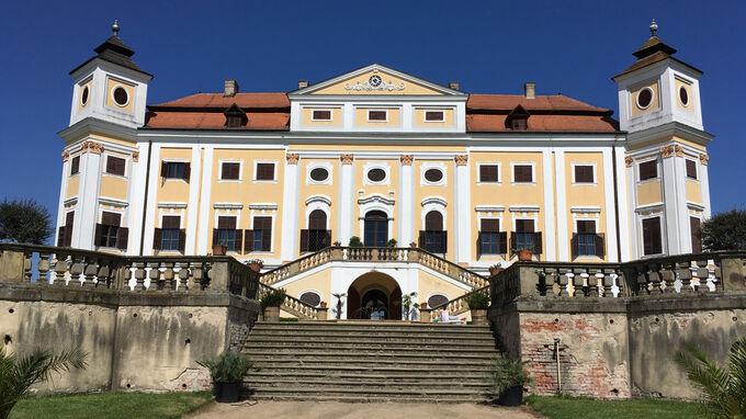 © Edith Spitzer, Wien / Milotice, CZ - Schloss Milotice / Zum Vergrößern auf das Bild klicken