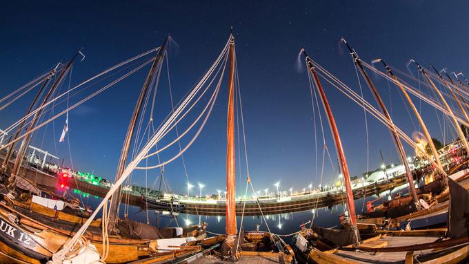 © MarketingOost / Harderwijk, NL - Schiffe am Hafen Aaltjesdagen / Zum Vergrößern auf das Bild klicken
