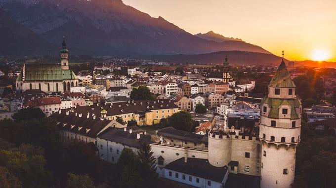 © hall-wattens.at / Hall-Wattens, Tirol - Altstadt Hall in Tirol / Zum Vergrößern auf das Bild klicken