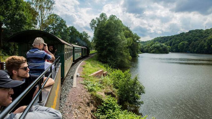 © TVE / Greg Snell snellmedia.com / Erzgebirge, DE - Weisseritztalbahn / Zum Vergrößern auf das Bild klicken