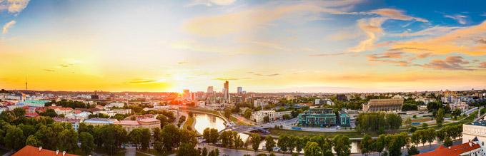 © Grisha Bruev / Vilnius, Litauen - Sonnenuntergang / Zum Vergrößern auf das Bild klicken