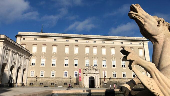 Salzburg Residenz mit Steinpferd