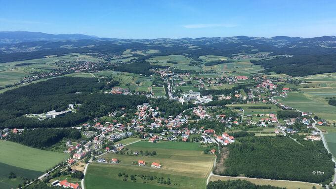 © Edith Spitzer, Wien / Bad Tatzmannsdorf, Burgenland - Luftaufnahme / Zum Vergrößern auf das Bild klicken
