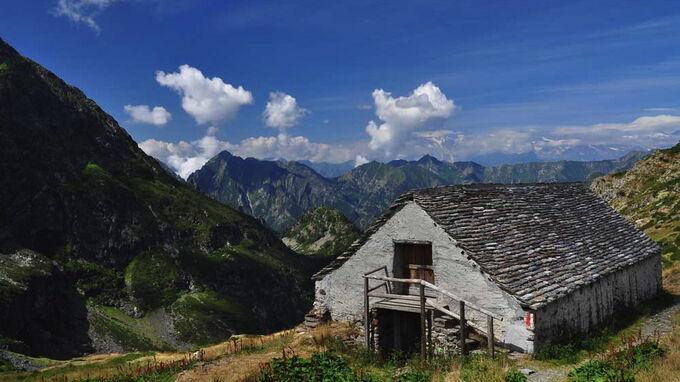 © Roberto Maggioni / Piemont, Italien - Val Grande_Hütte / Zum Vergrößern auf das Bild klicken