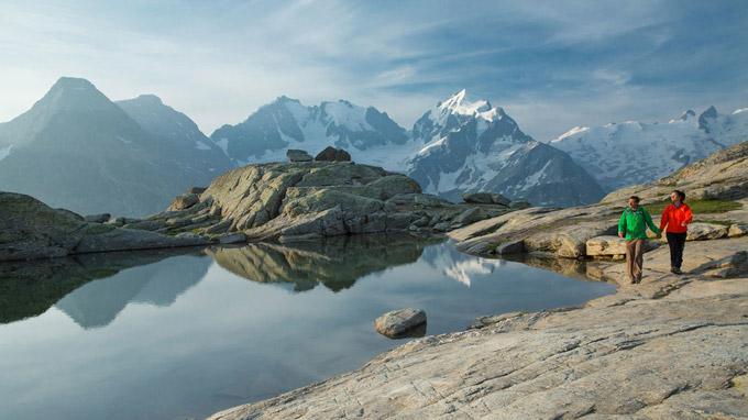 © Engadin St. Moritz / Christof Sonderegger / Berninamassiv, Graubünden - Weitwandern / Zum Vergrößern auf das Bild klicken