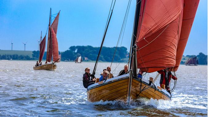 © Malk Pixelino / Zingst, DE - Zeesboote / Zum Vergrößern auf das Bild klicken