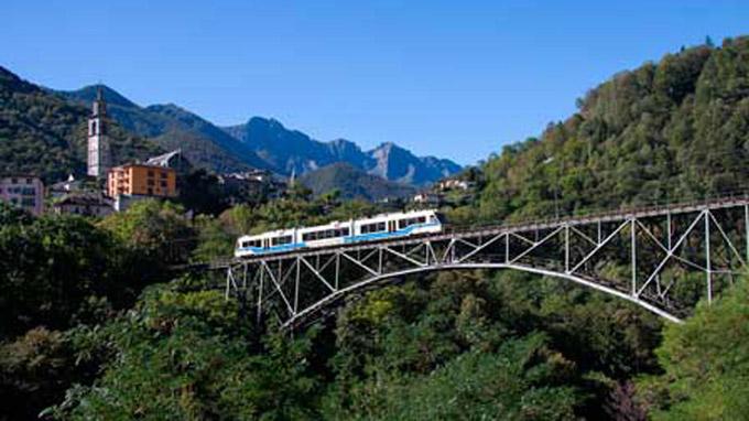 © Vigezzina Centovalli / Vigezzina Centovalli - Schmalspurbahn am Lago Maggiore / Zum Vergrößern auf das Bild klicken