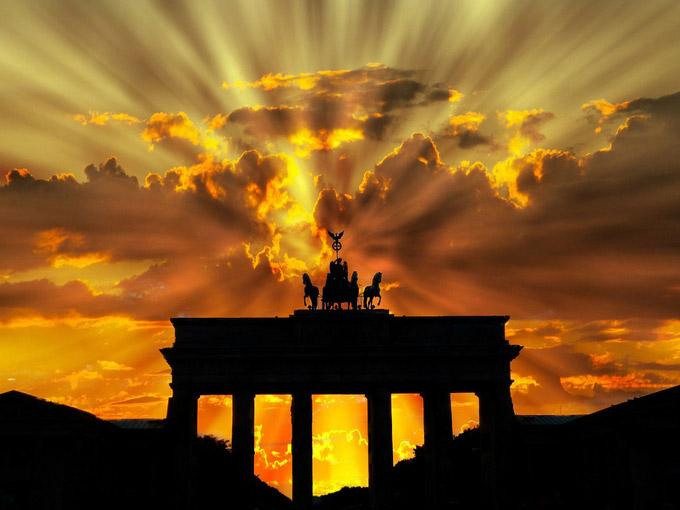 © pixabay.com / werner22brigitte / Berlin, DE - Brandenburger Tor / Zum Vergrößern auf das Bild klicken