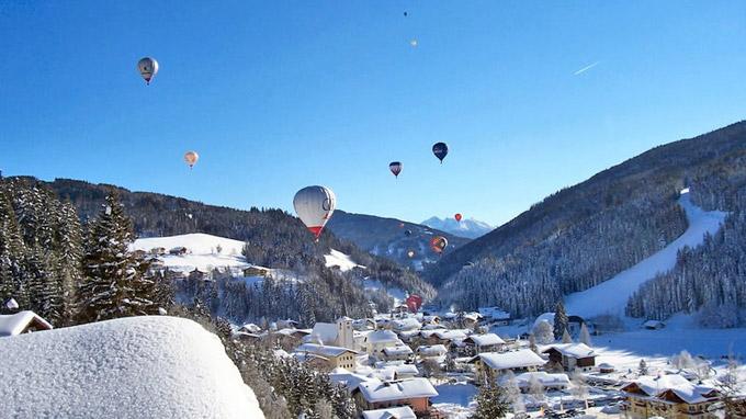 © Tourismusinformation Filzmoos / Filzmoos, Salzburg - Ballone über Filzmoos / Zum Vergrößern auf das Bild klicken