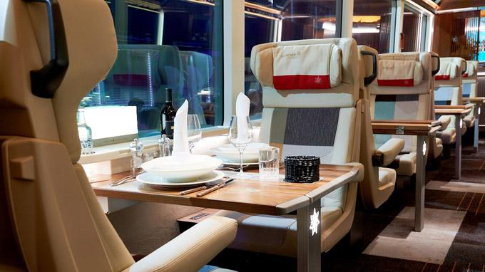 © www.rhb.ch / Glacier Express - Excellence Class / Zum Vergrößern auf das Bild klicken