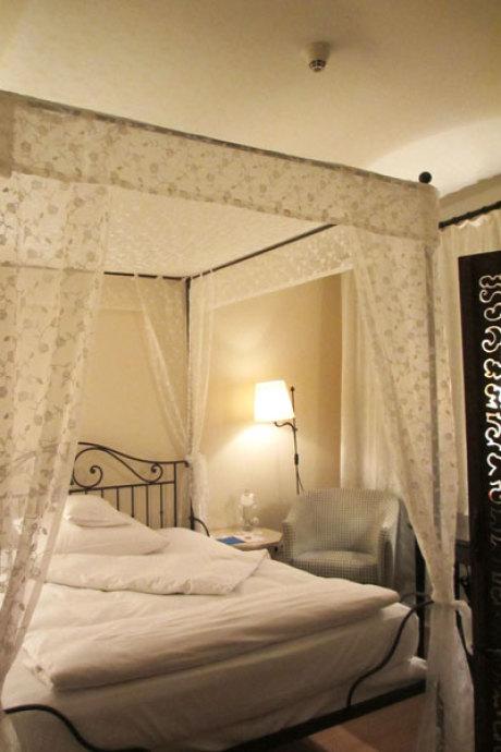 hotel burg wernberg deutschland. Black Bedroom Furniture Sets. Home Design Ideas