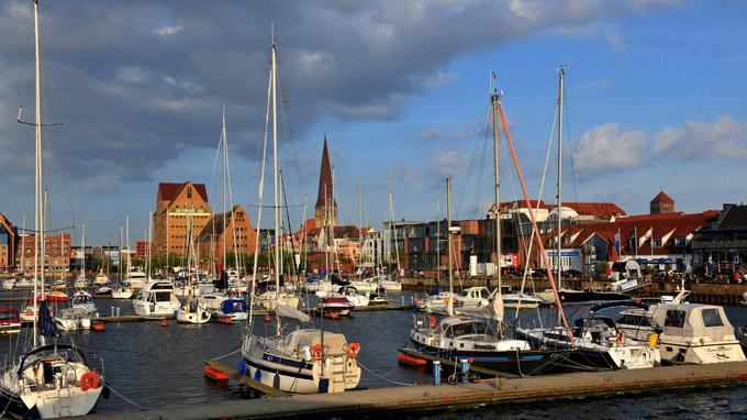 © Hansestadt Rostock / Angelika Heim / Rostock, DE - Stadthafen der Hansestadt / Zum Vergrößern auf das Bild klicken
