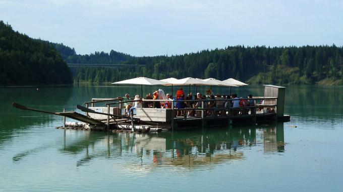 © Tourist-Information Schongau / Schongau, Bayern - Lechfloss / Zum Vergrößern auf das Bild klicken