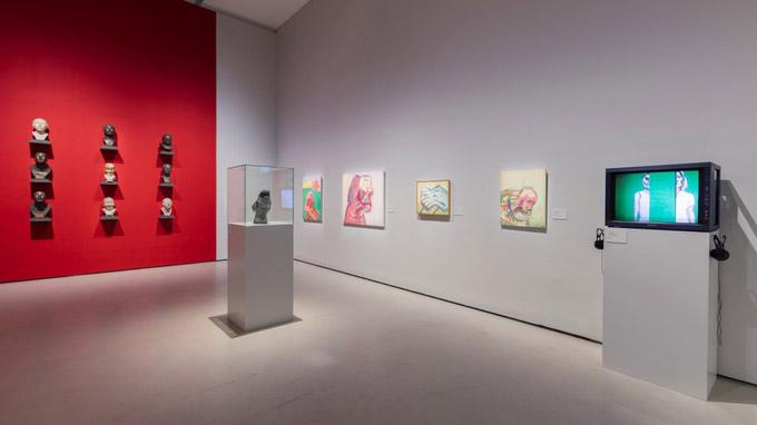 © Belvedere, Wien / Foto Johannes Stoll / Belvedere, Wien - Ausstellungsraum TalkingHeads / Zum Vergrößern auf das Bild klicken