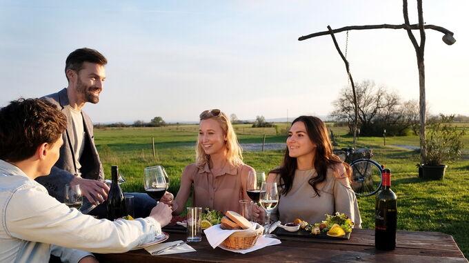 © TVB Illmitz / steve.haider.com / Neusiedler See, Burgenland - Sommer-Wein / Zum Vergrößern auf das Bild klicken