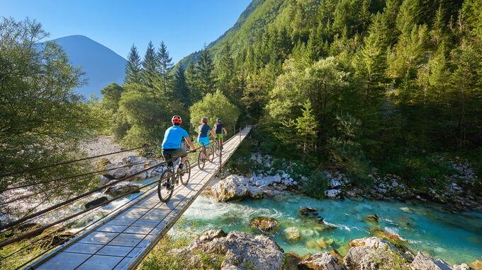 © tomo Jesenicnik / Soca Valley, Slo - Radfahrer / Zum Vergrößern auf das Bild klicken