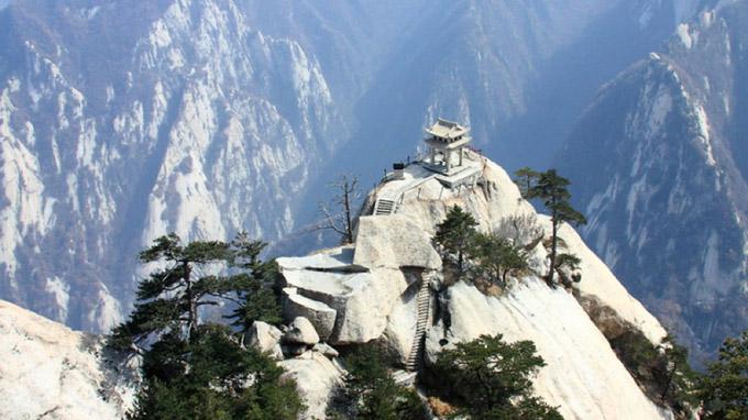 © Yukiakari - shutterstock.com / Stupa, Tibet / Zum Vergrößern auf das Bild klicken