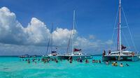 © Pixabay_BobSpicer / Karibik, Kaimanninseln / Zum Vergrößern auf das Bild klicken