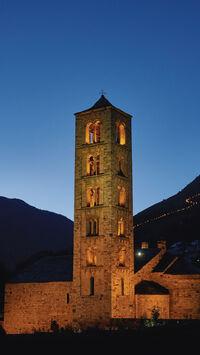 © Catalan Tourist Board / Pyrenäen, Spanien - Kirchturm in Taull / Zum Vergrößern auf das Bild klicken