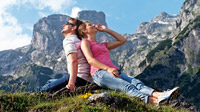 © Travel Charme Hotels und Resorts / Werfenweng, Salzburg - Wanderpaar / Zum Vergrößern auf das Bild klicken