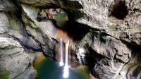 Karst, Slowenien - Höhlen von Škocjan_Wasserfall