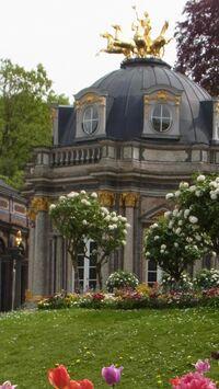 Bayreuth, Bayern - Eremitage Sonnentempel im Frühling