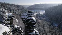 Sächsische Schweiz, Sachsen - Felsnadel mit Schnee