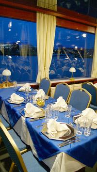 © Donau Touristik / Birgit Ortner / MS Kaiserin Elisabeth - Gedeckter Tisch / Zum Vergrößern auf das Bild klicken