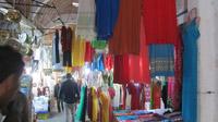 © Edith Köchl, Wien / Tunis, Tunesien - Souk-Kleidung / Zum Vergrößern auf das Bild klicken
