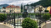 © Edith Spitzer, Wien / Bad Ischl, Salzkammergut - Brunnen auf der Esplanade / Zum Vergrößern auf das Bild klicken