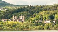 © pixabay.com / feworave / Eifel, DE - Kloster Maria Laach / Zum Vergrößern auf das Bild klicken