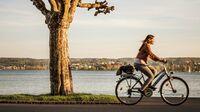 Konstanz, DE - Radfahren am Bodensee