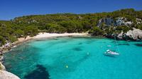 © Shutterstock / Menorca, Spanien - Macarella Bay / Zum Vergrößern auf das Bild klicken