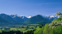 © Tourismus Oberstdorf / Michael Monschau / Oberstdorf, Bayern - Panoramablick / Zum Vergrößern auf das Bild klicken