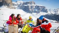 © Trentino Marketing / Federico Modica / Val di Fassa, Italien - Aperitivo / Zum Vergrößern auf das Bild klicken